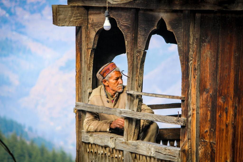what to buy from manali