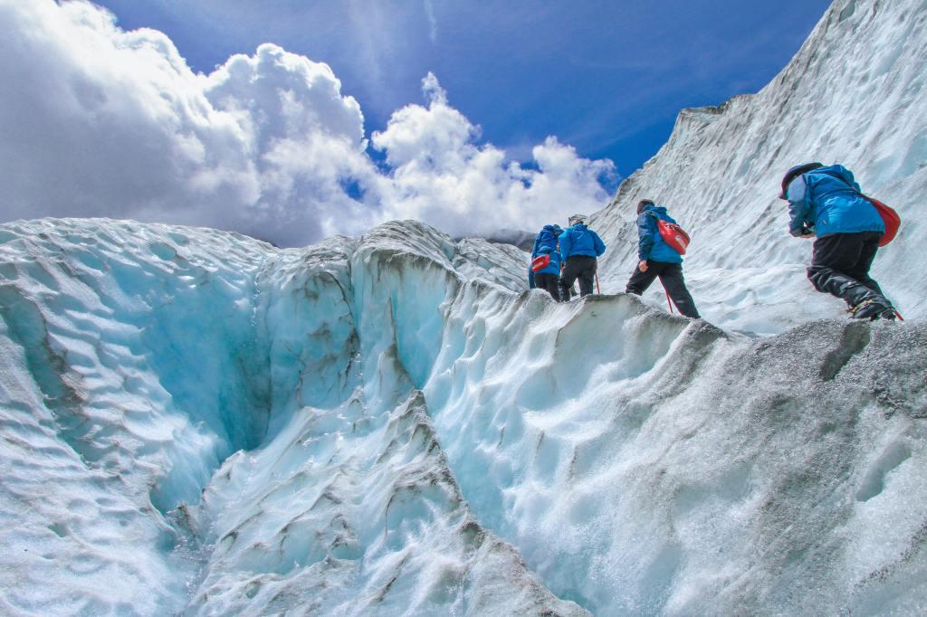 best treks in uttarakhand
