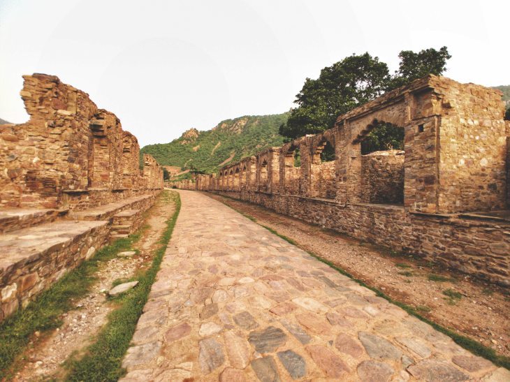 trip to bhangarh fort