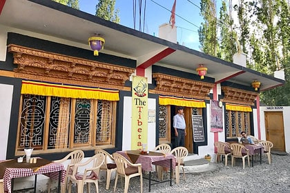 places to eat in leh